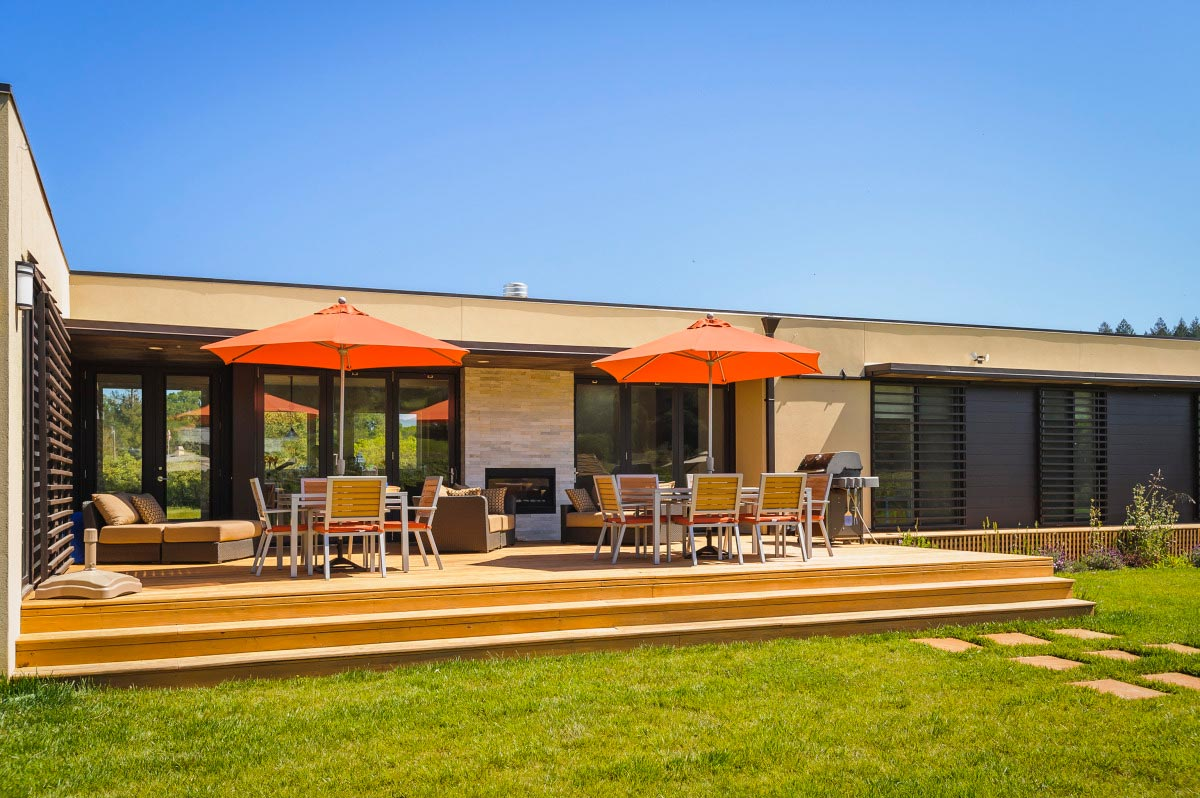 Healdsburg residence cipriani studios for Cost to build a house in iowa